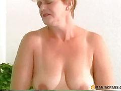Guy fucks blonde in her pussy