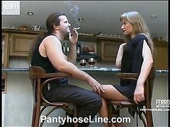 Diana&Lesley screened while pantyhosefucking