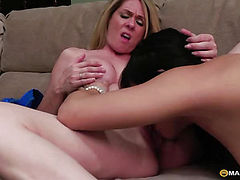 The girl kisses from her pussy beauty