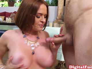 Bigtitted Milf Pounded By Her Masseur