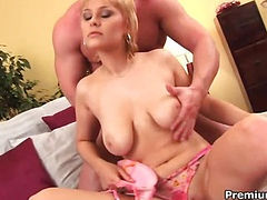 Euro babe gets nailed and jizzed