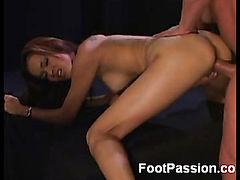 Daisy Marie Shows Off Her Amazing Feet