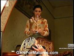 Esther&Ninette lesbian mom in action