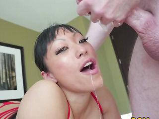 Oriental bitch deepthroating