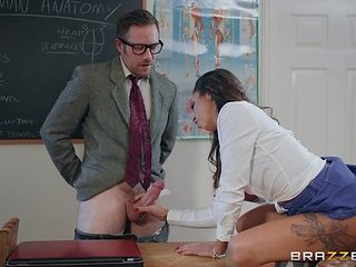 Roxxy Lea the college girl smashed hardcore by her teacher in class