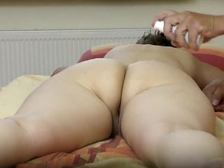 Mature wife gets massaged and had her vagina fingered