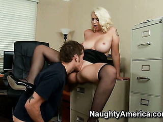 Mandy Sweet with giant hooters and shaved pussy loves the way Chris Johnson stuffs her beaver