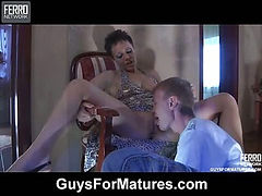 Viola&Austin hot mom in action