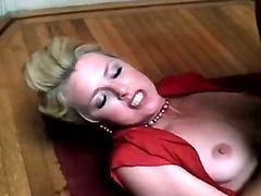 Hot chick banged on the stairs in a classic xxx