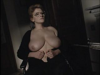 Sacro e profano 2003 full italian movie - 1 part 9
