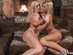 Blonde MILF Eat Out Slits