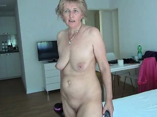 Long play granny slut videos
