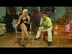 Flossie&Govard cool nylon feet video
