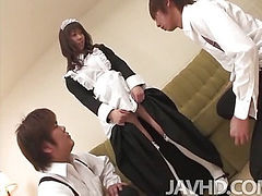 Aiuchi Shiori finds herself surrounded as she works on cleaning an apartment.