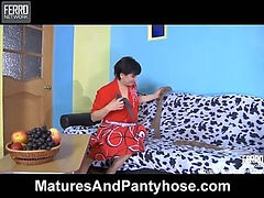 Elsa&Govard pantyhose mom on video