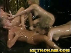 Oily lesbian orgy