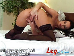 See Walleria fill her pussy with a dildo.
