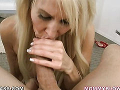 Mom has dick sucking lips