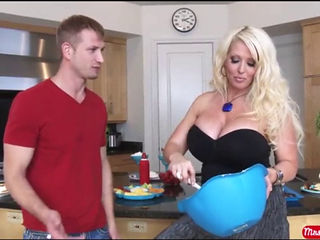 Alura Jenson Miss Cream Pie