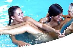Teen lesbians fingering
