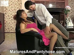 Shenythia&Adam pantyhose mom in action