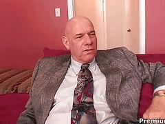 Round boobs babe fucks with boss
