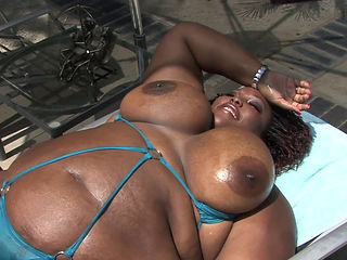 Black Bbw Bitch Takes It Up The Ass