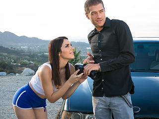 Valentina Nappi & Xander Corvus in The Photographer - PrettyDirty