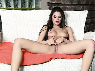 Caprice cant live a day without fingering her pussy