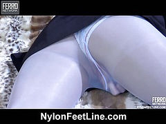 Aao loving her nylon feet