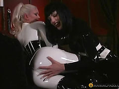Crumbs in the latex hugging