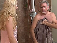 Stepdaughter Walks In The Bathroom And Sees Her Dad Showering