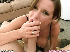 Sexy mom worshipping cock