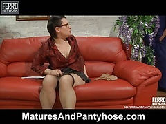 Elsa&Lucas mature pantyhose action