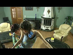 Frances&Agatha pussyloving mom on video