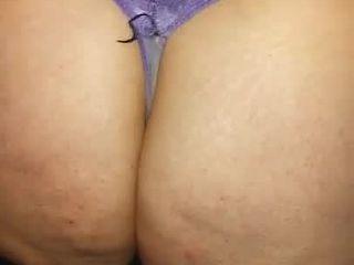 Meu marido filma amiga de calcinha com Celulite 2