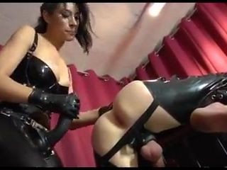 Domina fuck with strapon