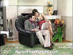 Madeleine&Monty cool nylon feet movie