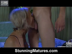Ninette&Robin hot mom on video
