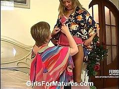 Leonora&Nora pussyloving mom on video