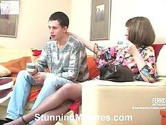 Mia&Lewis kinky mom on video