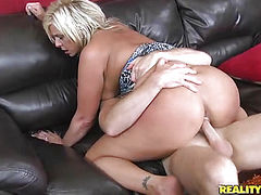 Milf blonde bitch fucking