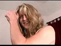 Mature chick playing with pussy on camera