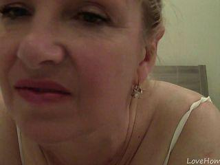 Sexy Cougar Bimbo In Her Newest Webcam Adventure
