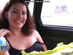 Amateur slut met in the street and fucked a few min later