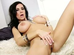 Hot brunette laura lee masturbates for you