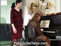 Laura&Mike mindblowing pantyhose video