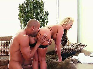 Phoenix Marie loves her big ass fucking by Karlo Karrera