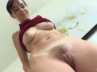 Busty shaved masterbating wives videos
