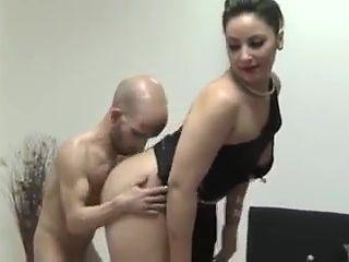Midget porn clip